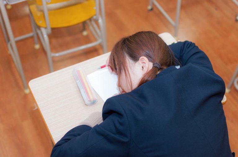 水橋高校教員が生徒の髪を切る!誰もが?と思う変な校則調べてみました!